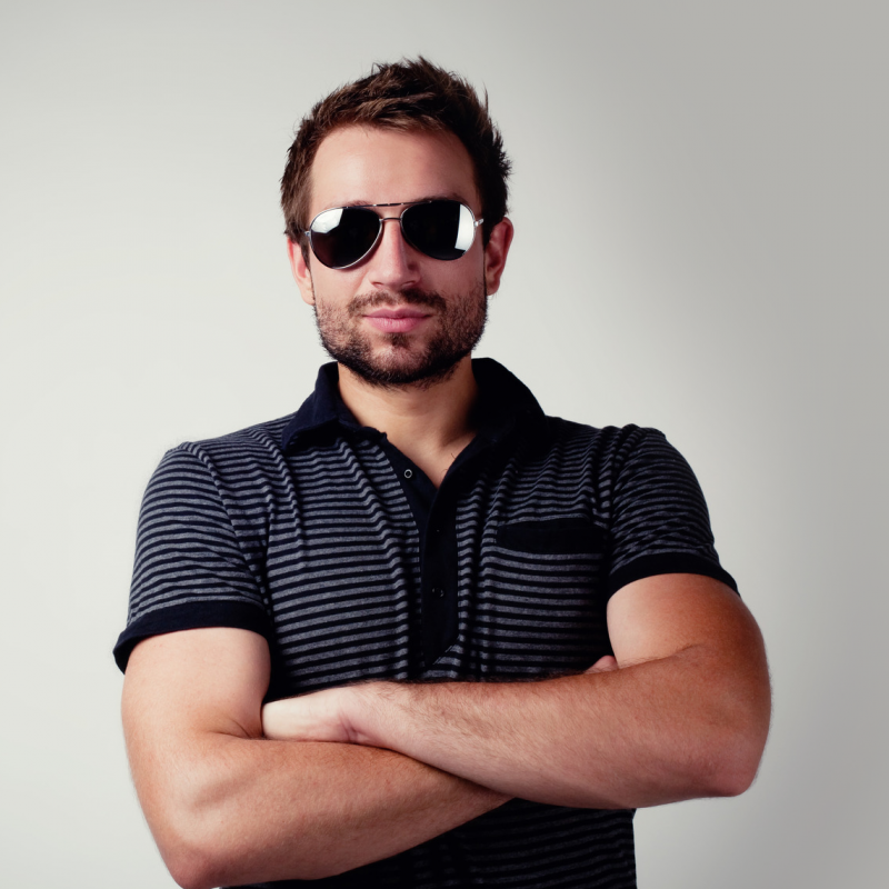 photodune-4602710-handsome-man-with-sunglasses-m
